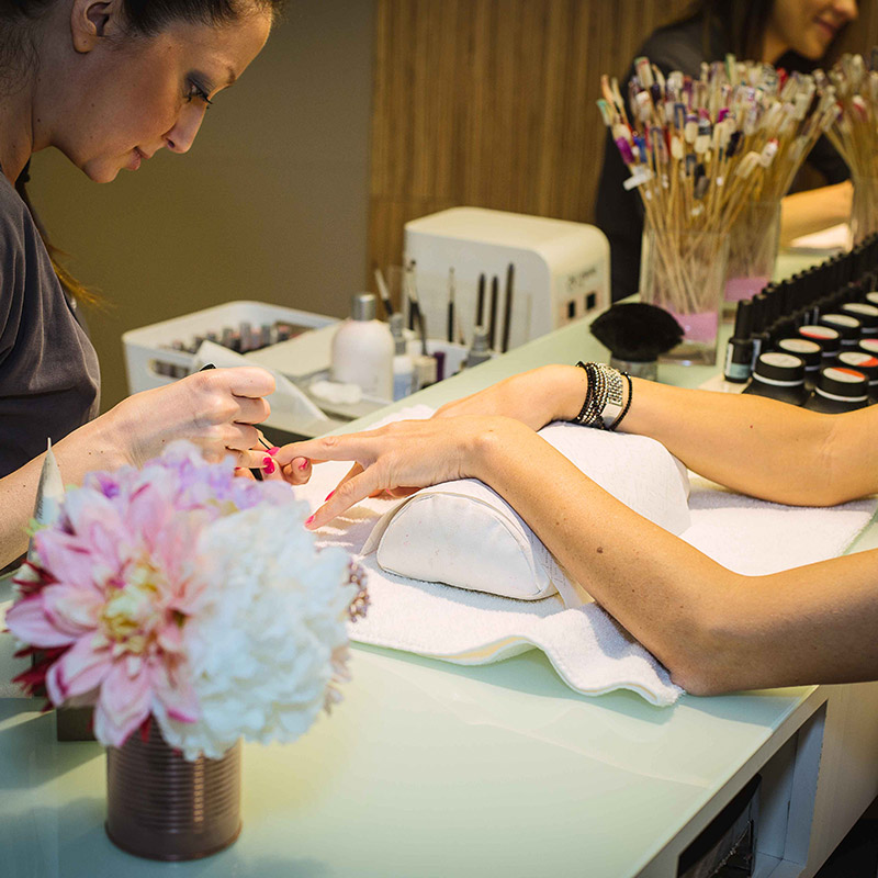 manicure-small